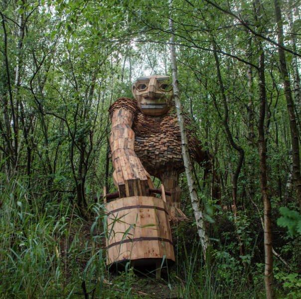 Huge Trolls By Thomas Dambo (21 pics)