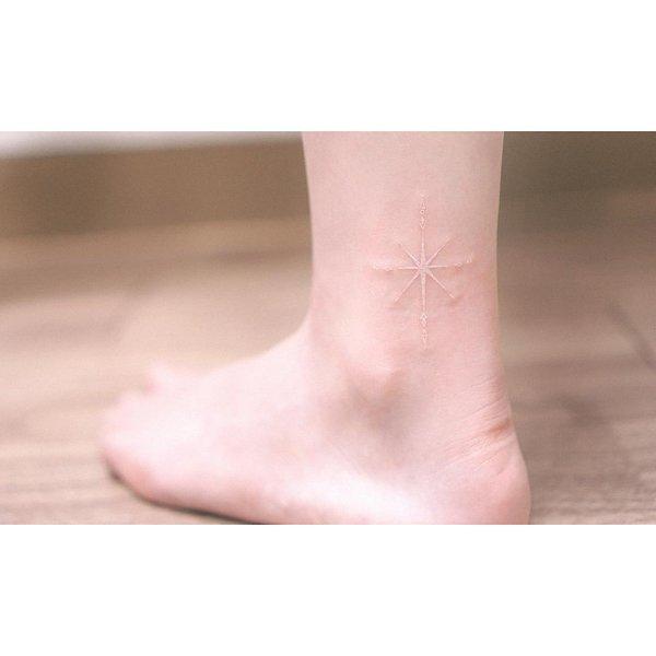 White Ink Tattoos (31 pics)