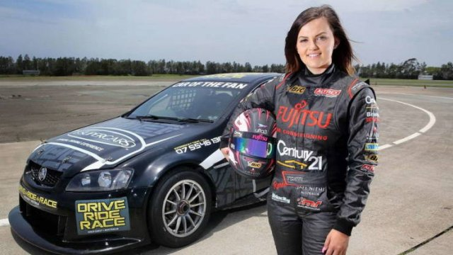 Renee Gracie: From Professional Racing To A Porn Star (18 pics)