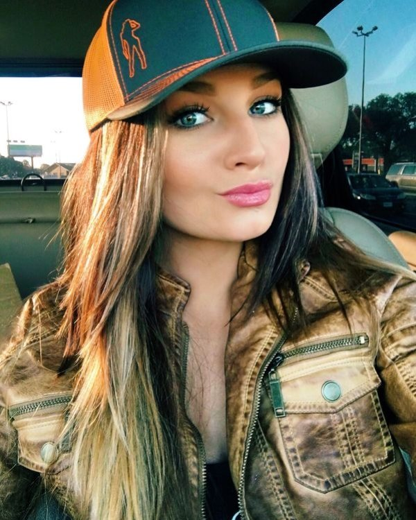 Hot Car Selfies (39 pics)
