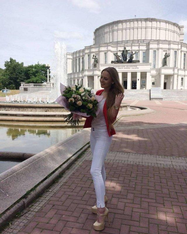 Hot Math Teacher From Belarus (18 pics)