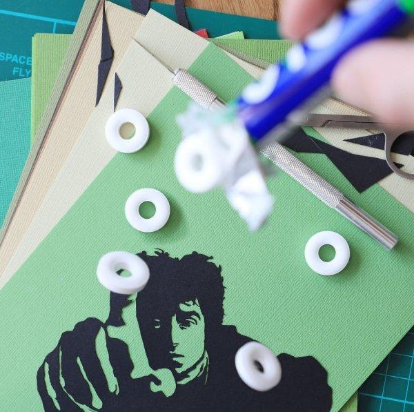 Amazing Paper Cutouts (16 pics)