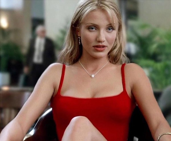Actresses And Their Hottest Roles (27 pics)