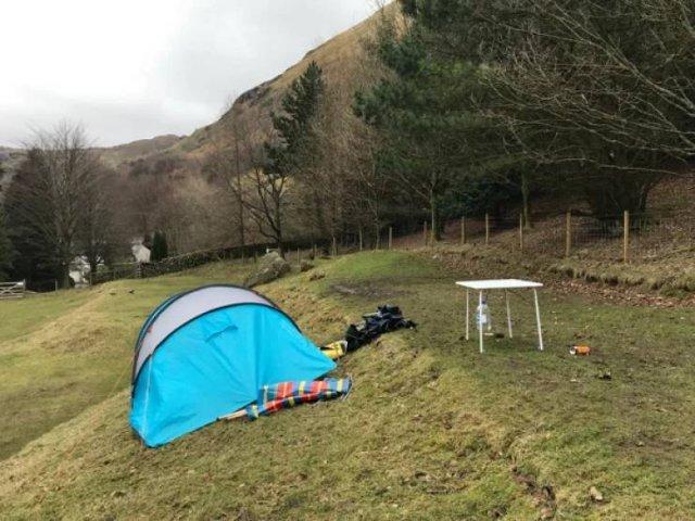 Camping Struggles (33 pics)