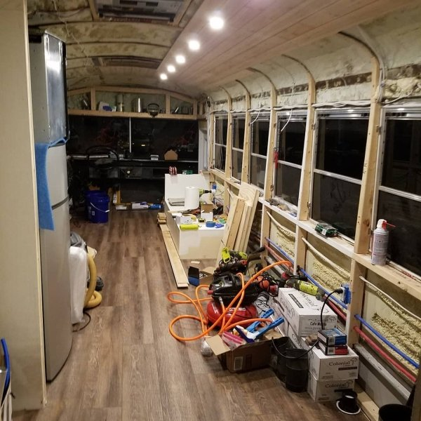 Old School Bus Was Transformed Into A Luxury Home (25 pics)