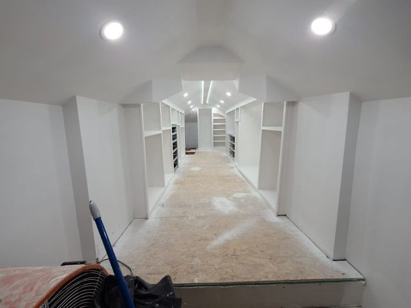 Rundown Attic Transformation (16 pics)