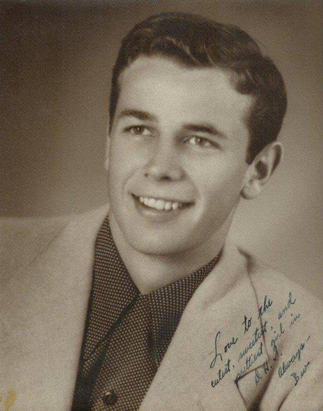 People Show Photos Of Their Grandpas (25 pics)