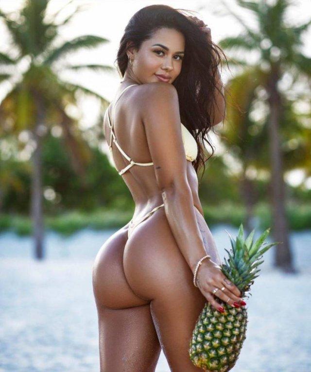 Instagram Fitness Star Katya Elise Henry (24 pics)