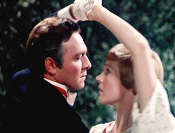 Romantic Movie Scenes (19 pics)