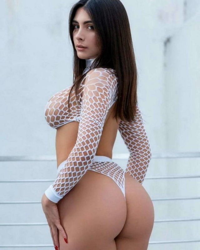Girls In Lace And Fishnet (45 pics)