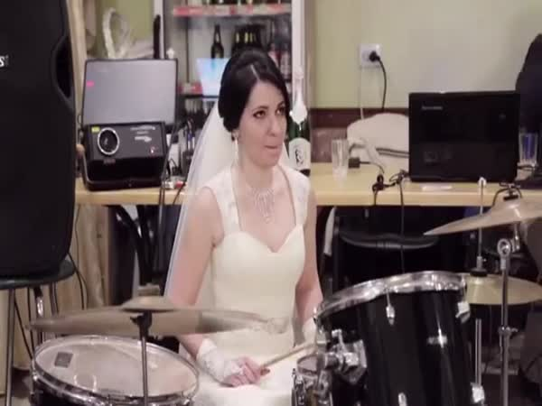This Bride Knows How To Play