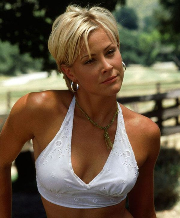 Hot Actresses (22 pics)