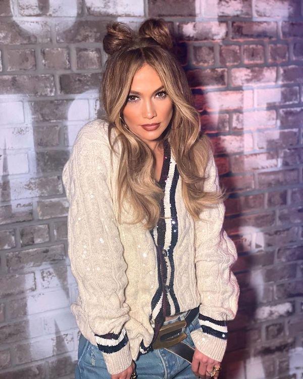 Jennifer Lopez Facts (24 pics)