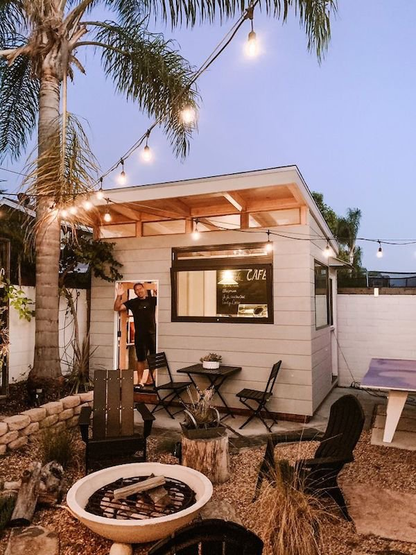Dad Built Amazing Backyard Coffee Shop (13 pics)