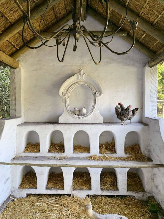 Creative Chicken Coops (30 pics)