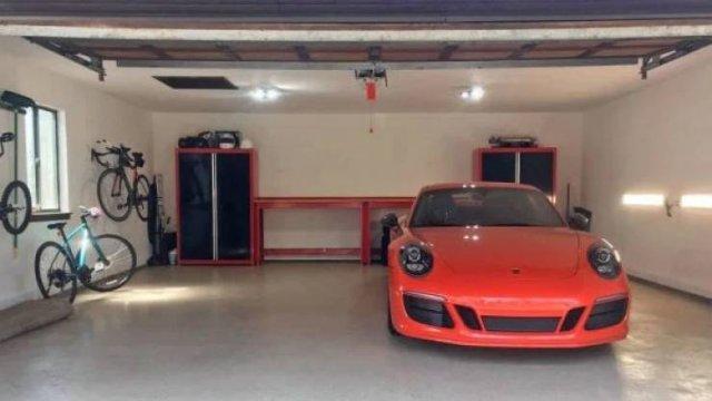 People Show Photos Of Their Garages (25 pics)