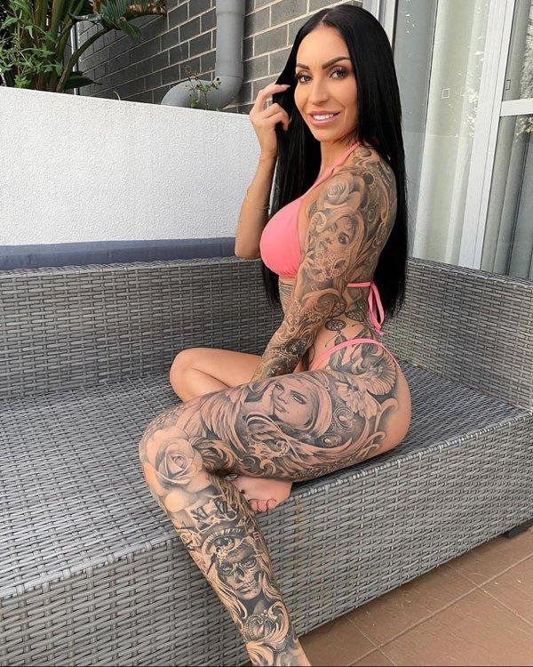 Tattooed Girls (27 pics)