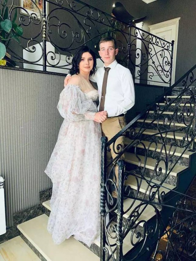 35-Year Old Stepmom Marries Her 20-Year-Old Stepson (14 pics)