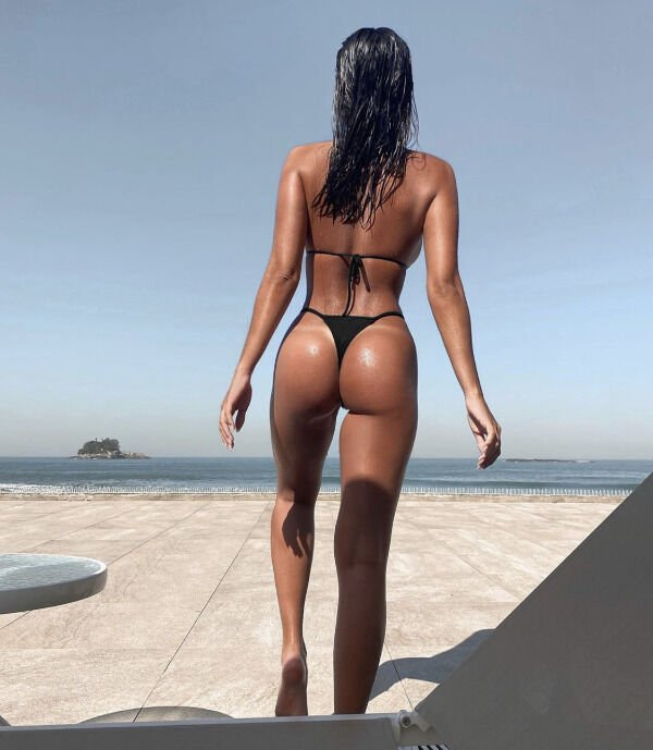 Girls With Tan Lines (39 pics)