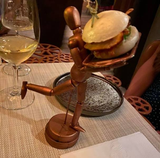 Weird Ways Restaurants Serve Food (17 pics)