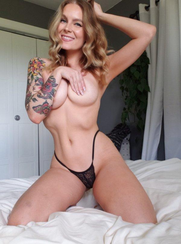 Hot Girls (38 pics)