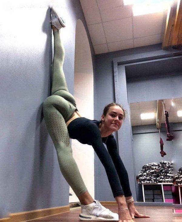 Flexible Girls (39 pics)