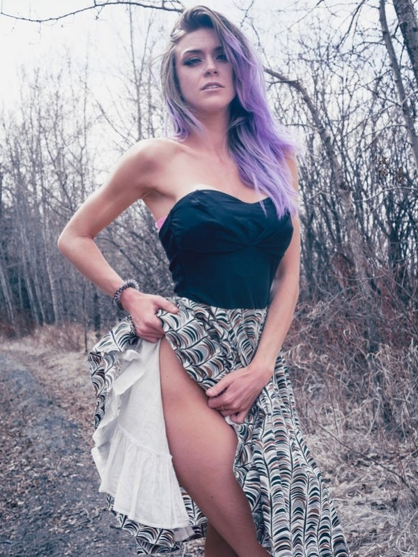 Girls With Dyed Hair (38 pics)