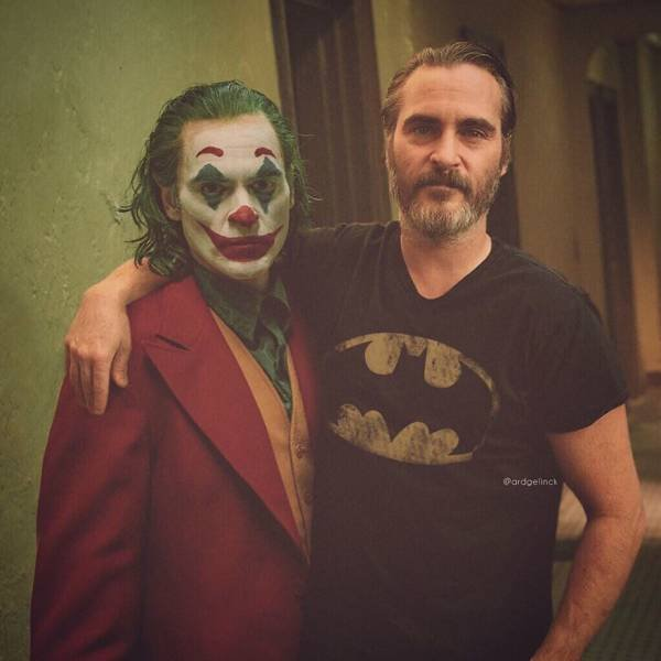 Actors With Their Famous Movie Characters (28 pics)