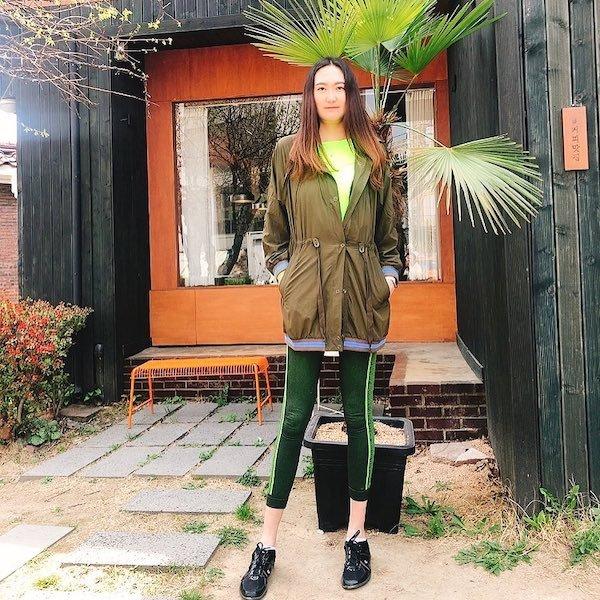 This Girl Has The World's Longest Legs (15 pics)