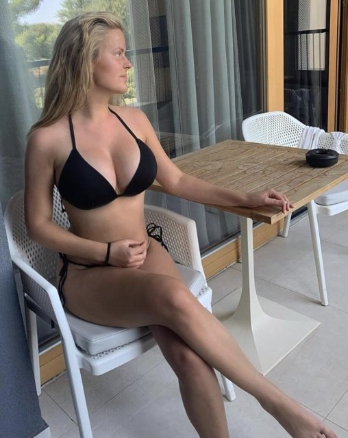 Bikini Girls (48 pics)