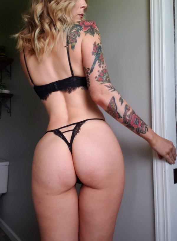 Hot Girls (36 pics)