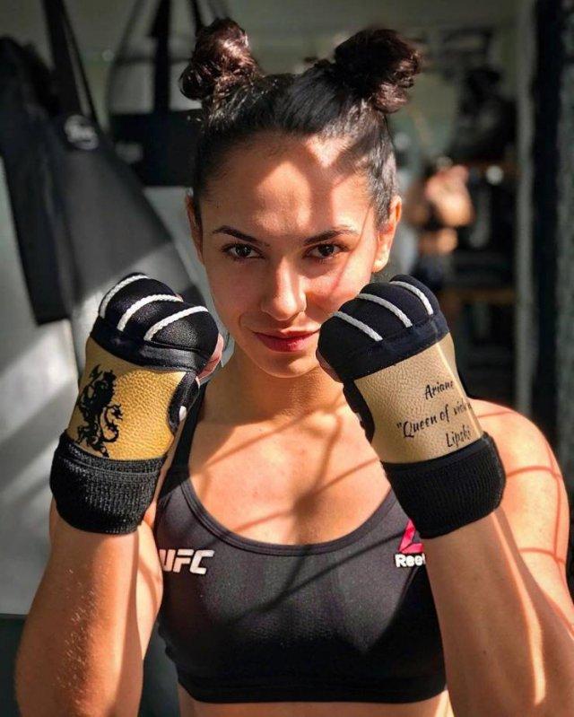 MMA Girls (43 pics)