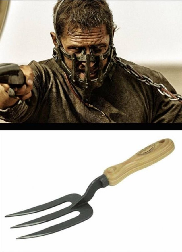 Everyday Objects As Props In Cinema Industry (16 pics)