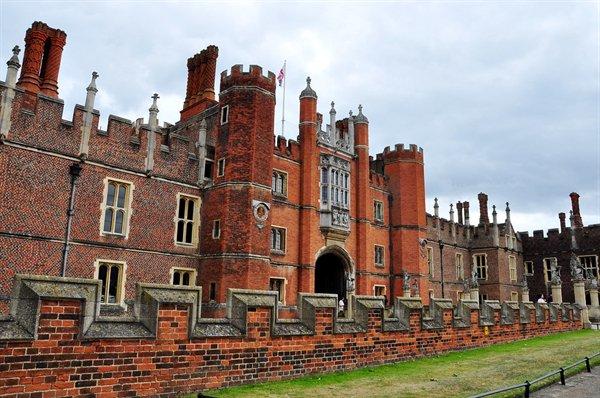 Old Royal Palace History (19 pics)