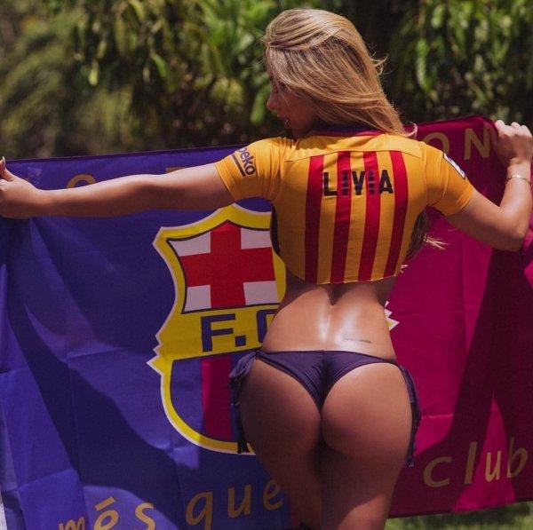 Sport Fan Girls (32 pics)
