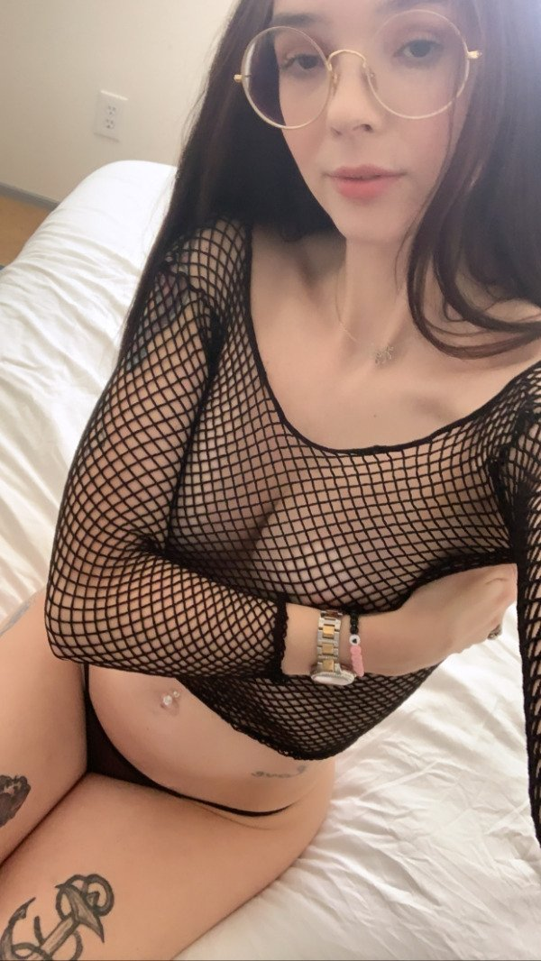 Girls In Fishnet And Lace (38 pics)