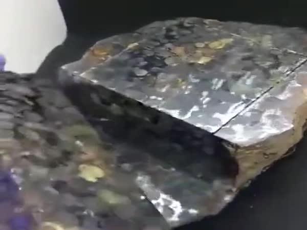Cutting The Meteorite