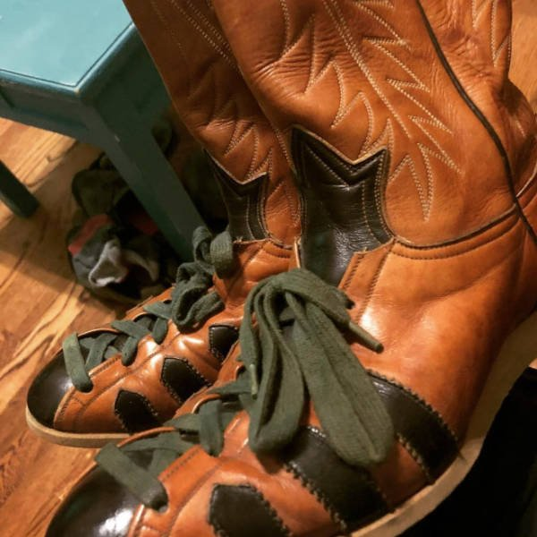 These Are Cowboy Boot Sneakers (21 pics)