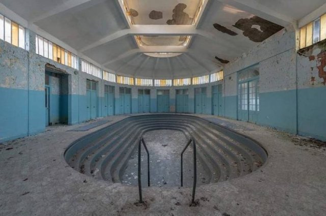 Beautiful Abandoned Places (25 pics)