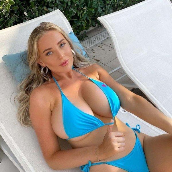 Bikini Girls (32 pics)