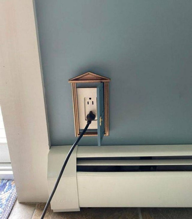 Smart Solutions For Hiding Things (16 pics)