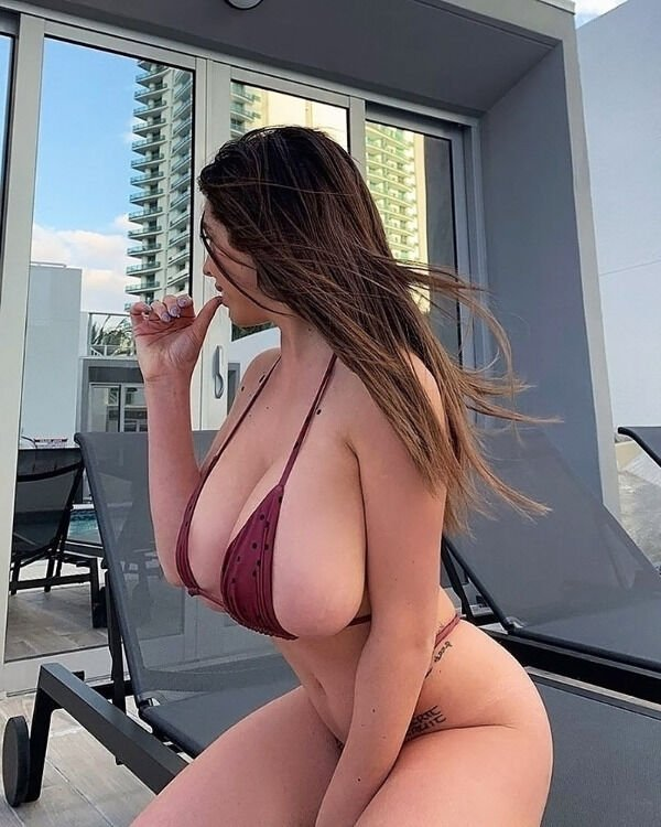 Side View (33 pics)
