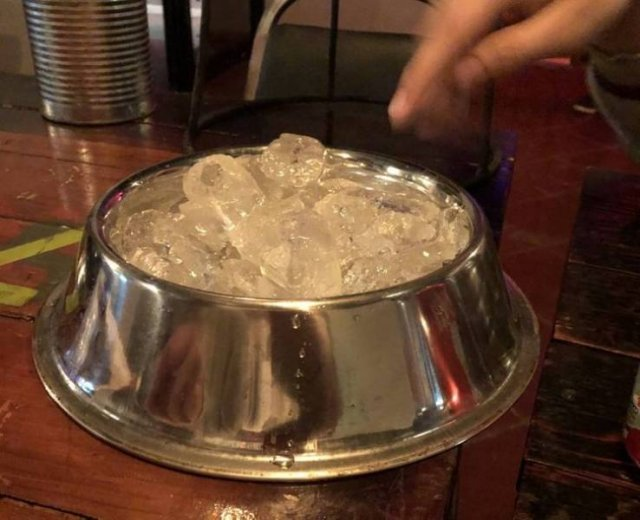 Weird Drinks Serving (19 pics)