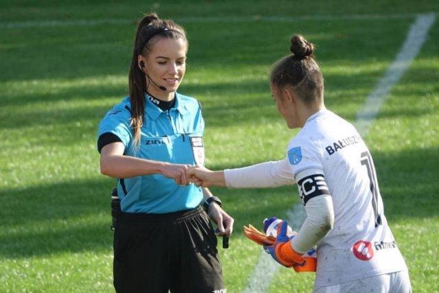 23-Year-Old Polish Referee Karolina Bojar (20 pics)