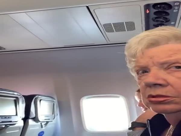 Pilot Surprises Mom On Flight
