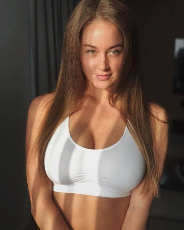 Russian Girl Shows Off Her Transformation (13 pics)