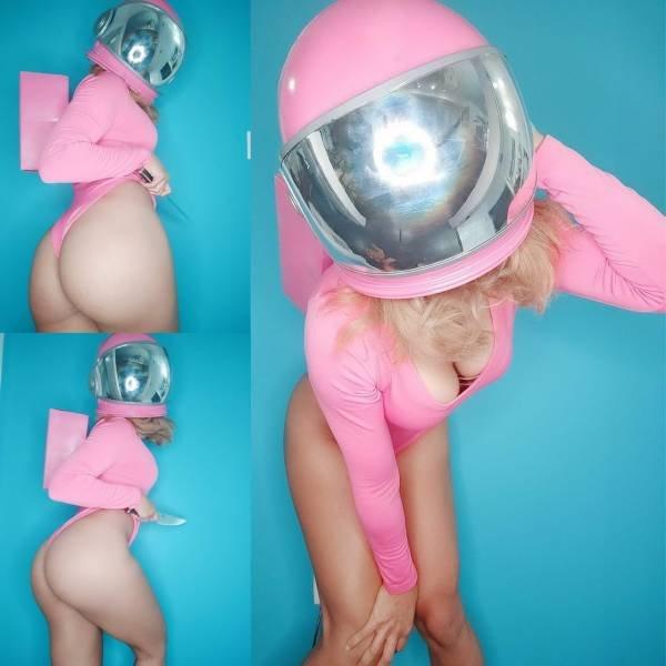 Cosplay Girls (43 pics)