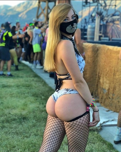 Girls On Music Festivals (31 pics)