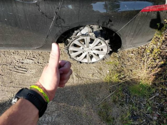 Crazy Things Car Mechanics May Find Out During Their Work (50 pics)