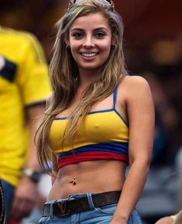 Hot Football Fans (39 pics)